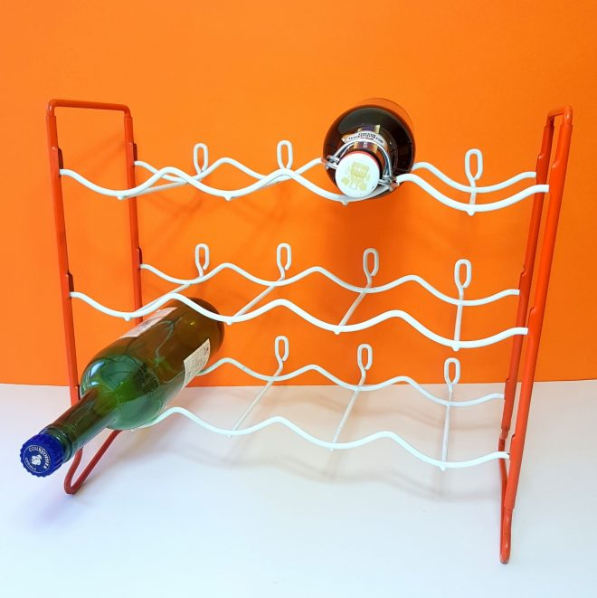Red and white wine rack